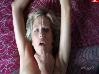 Порно видео с красивой девушкой, которая любит ебаться