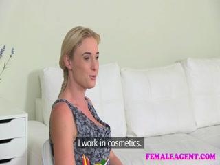 Порно-модель - агент по трудоустройству девушек на работу через постель и секс