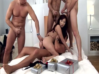Секс видео молодых в китае